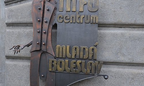 The infocentrum is the starting point of the blacksmith art, Metal trail