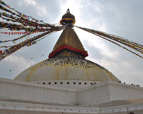 Detalle de la parte superior de la stupa