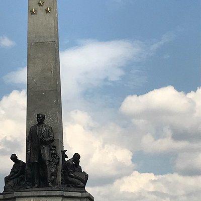 монумент Ризалю