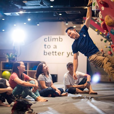 Want to get better at climbing? Our climbing technique classes are just right for you!