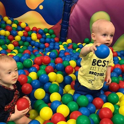 they have a bouncy ball pit
