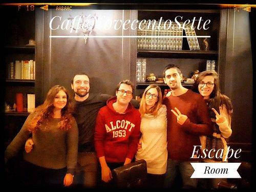 Alcuni degli avventurieri dell'escape room, sono sempre di più i valorosi che provano a risolver