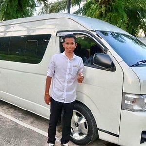 Private minivan service