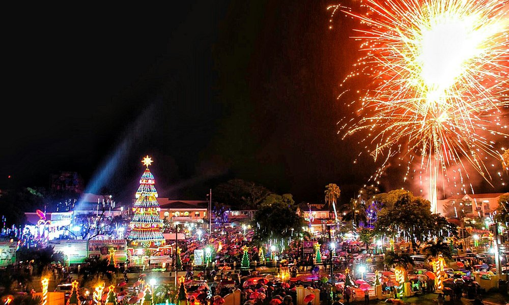 The Pastrana Park becomes more vibrant and colorful during December to January nights for the an