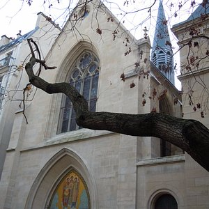 Façade et clocher de l'église