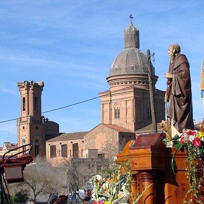 San Antonio Abad y la Iglesia de Sant Andreu