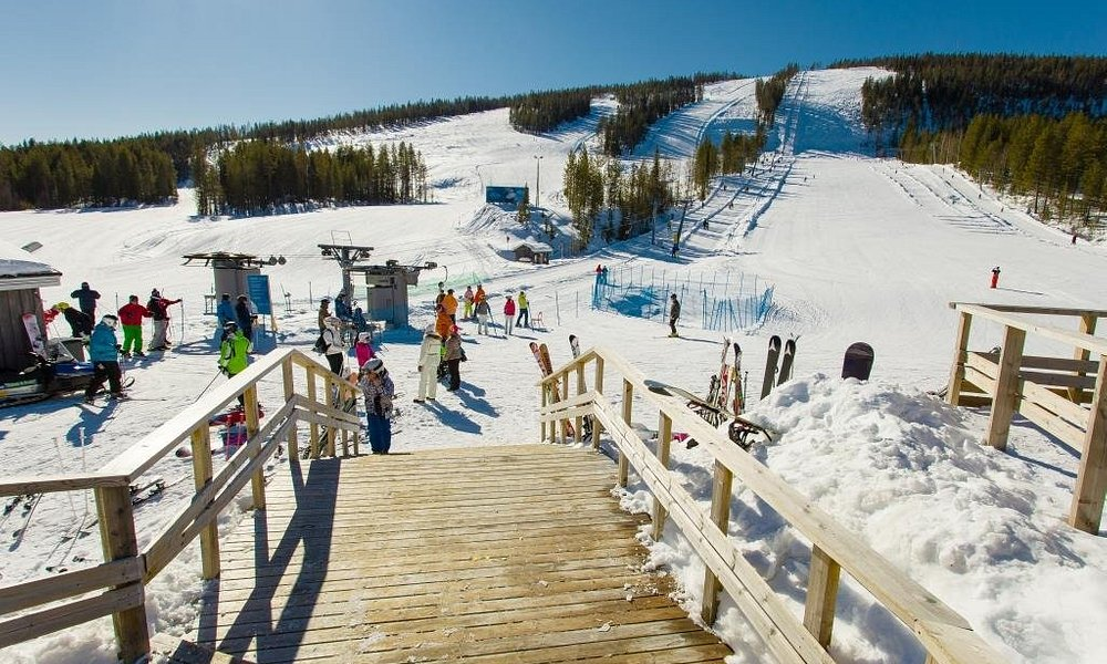 Suomu Fell skiresort  in Kemijärvi by the Arctic circle.