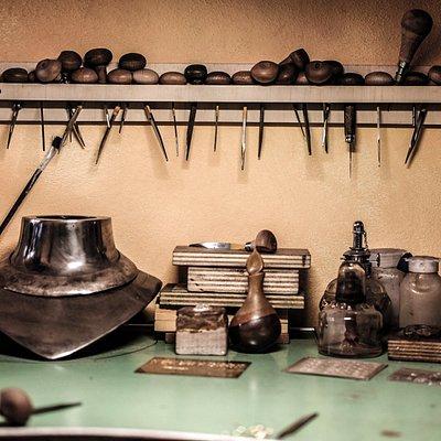 Bulini: attrezzi per incisione su metallo tipico della tradizione orafa fiorentina. laboratorio