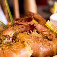 Langostinos a la plancha en salsa de coco con hierbaluisa, RECOMENDADO!!!