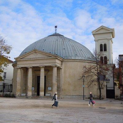 L'église et le parvis