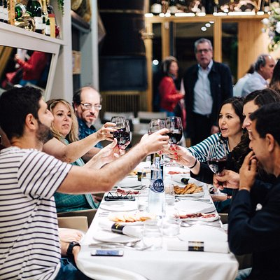 Food Lover Tour offers the best walking tours‎ for lovers of amazing food, good fun & local wine