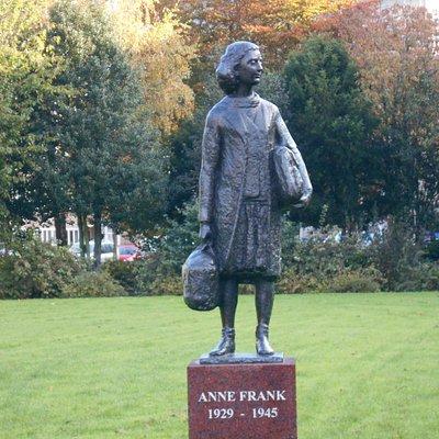 Anne Frank statue, Merwedeplein