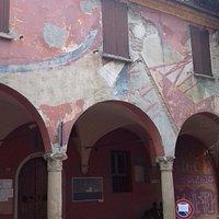 La loggia col murales