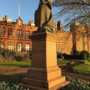 Queen Victoria Statue Scarborough