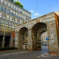 Archi di Porta Nuova