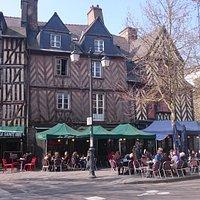 Place St Anne Maisons médiévales