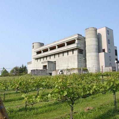 ワイン城の外観。十勝ワインを醸造する施設。