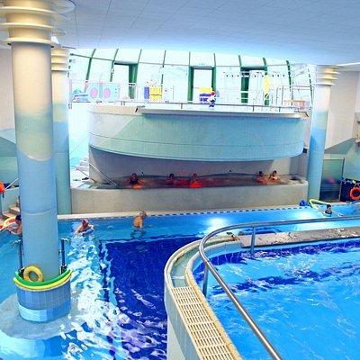 Fitness e riabilitazione in piscina termale.