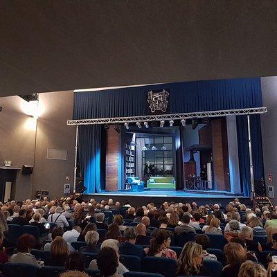 Platea del teatro Manzoni di Busto Arsizio