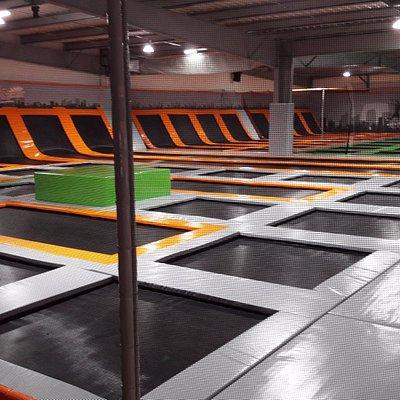 immense park de trampoline