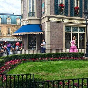Princess Aurora coming to meet guests