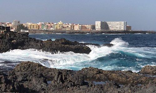 Wellengang an der Küste