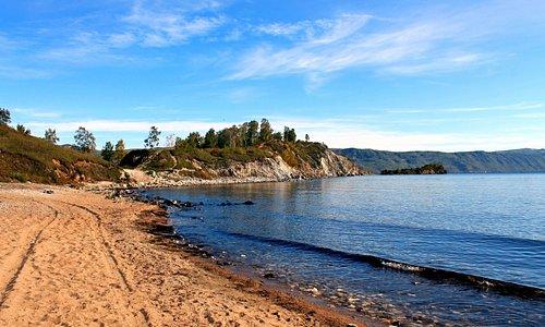 Шаманский мыс- самое начало великого чуда Росси- озера Байкал