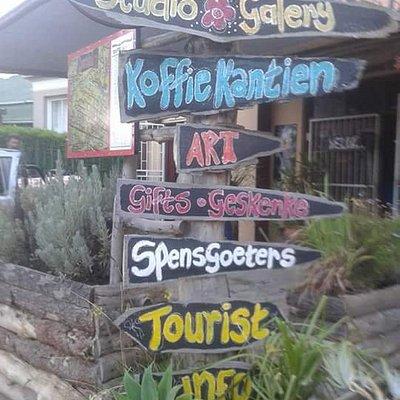 Paddavlei Kunsgoete /Koffieshop Riversdale Garden Route Western Cape.  Local Art. Best food. Pro