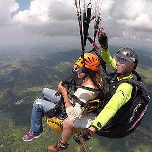 Melbourne Paragliding Adventure Tandem Flight can take you under the clouds