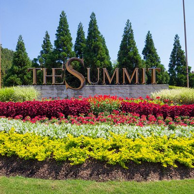 Summit sign from HWY 280
