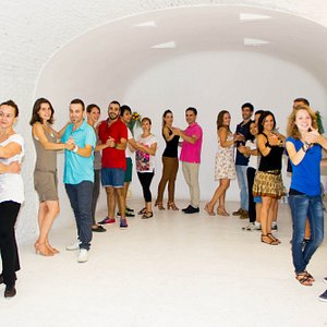 Tenemos un propósito para ti!!! Enseñarte a bailar Salsa con la máxima calidad y profesionalidad