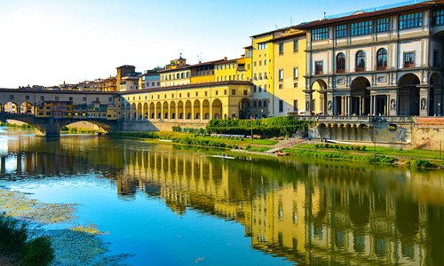 Uffizi Gallery from the other side of Arno.