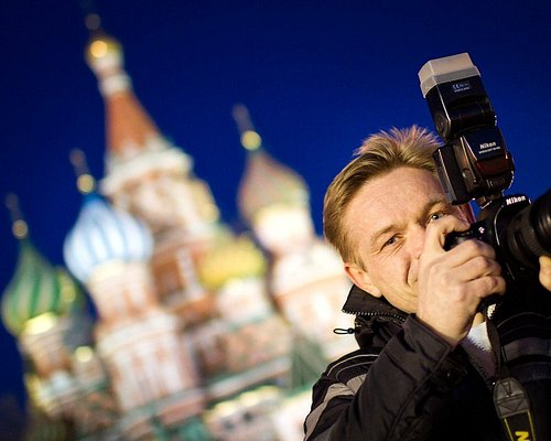 Taking photos on Red Square during Moscow by Night tour. Arthur Lookyanov