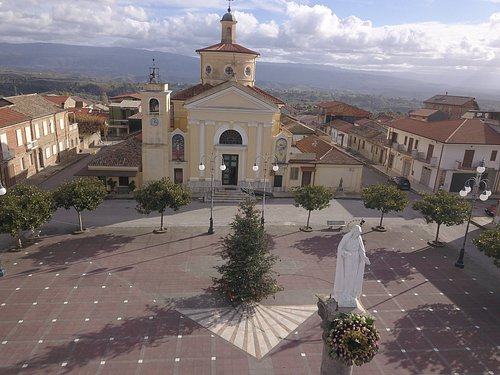 Chiesa della SS Trinità - Mileto (VV). Vista dal drone