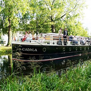 Canal Boat Restaurant in Summer