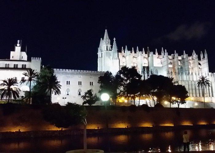 Catedral de santa de maria de Palma de Mallorca. Segubda catedral más grande de Europa..