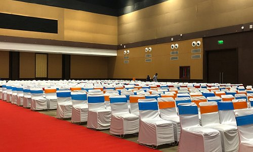 Very nice convention centre in heart of indore. The hall is capable of hosting 2000 peoples. The
