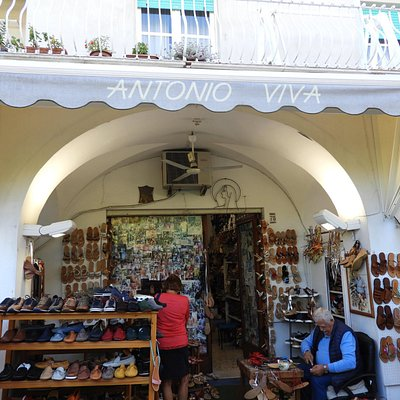 Antonio Viva -- sandalmaker to the stars
