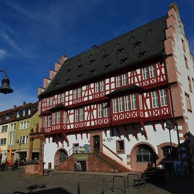 Deutsches Goldschmiedehaus (Old Town Hall)