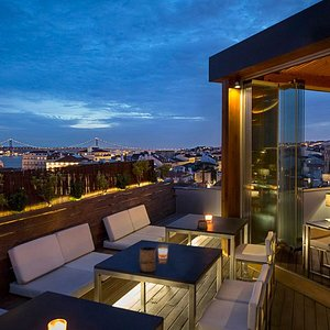 You can relax in the exterior of Silk and gaze at the stars.