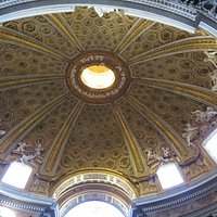 Sant'Andrea al Quirinale, Cupola and angels