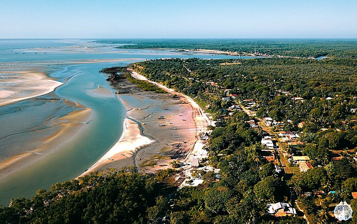 Praia de Fortalezinha na Ilha de Maiandeua - PA