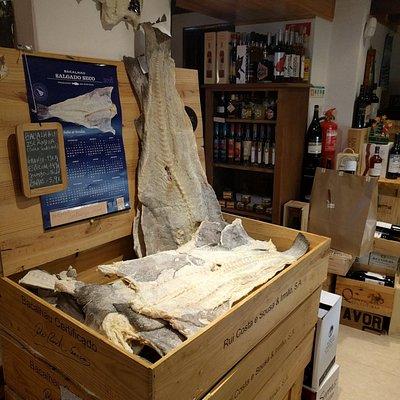 Bacalhau da Islândia, salgado fresco (mínimo:6 meses de cura).Cortado segundo a sua preferência!