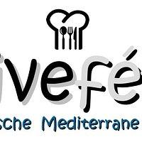 Kosten Sie die Schätze der griechischen Küche und lassen Sie sich von unserem modernen Ambiente