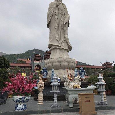 Statue seen from afar