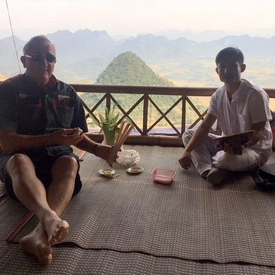 Sticky rice snack at Thung Khe Pass