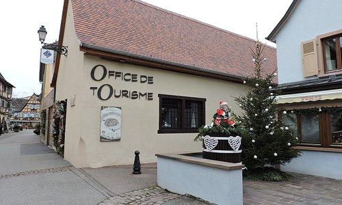 Oficina de Turismo de Eguisheim, Eguisheim, Francia.