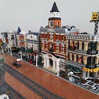 Spike's Bricks & Models