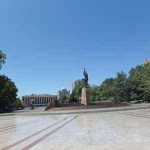 heydar-aliyev-park.jpg?w=300&h=300&s=1