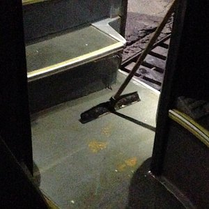 Singers solution how to deal with a bus flooded by human excrements